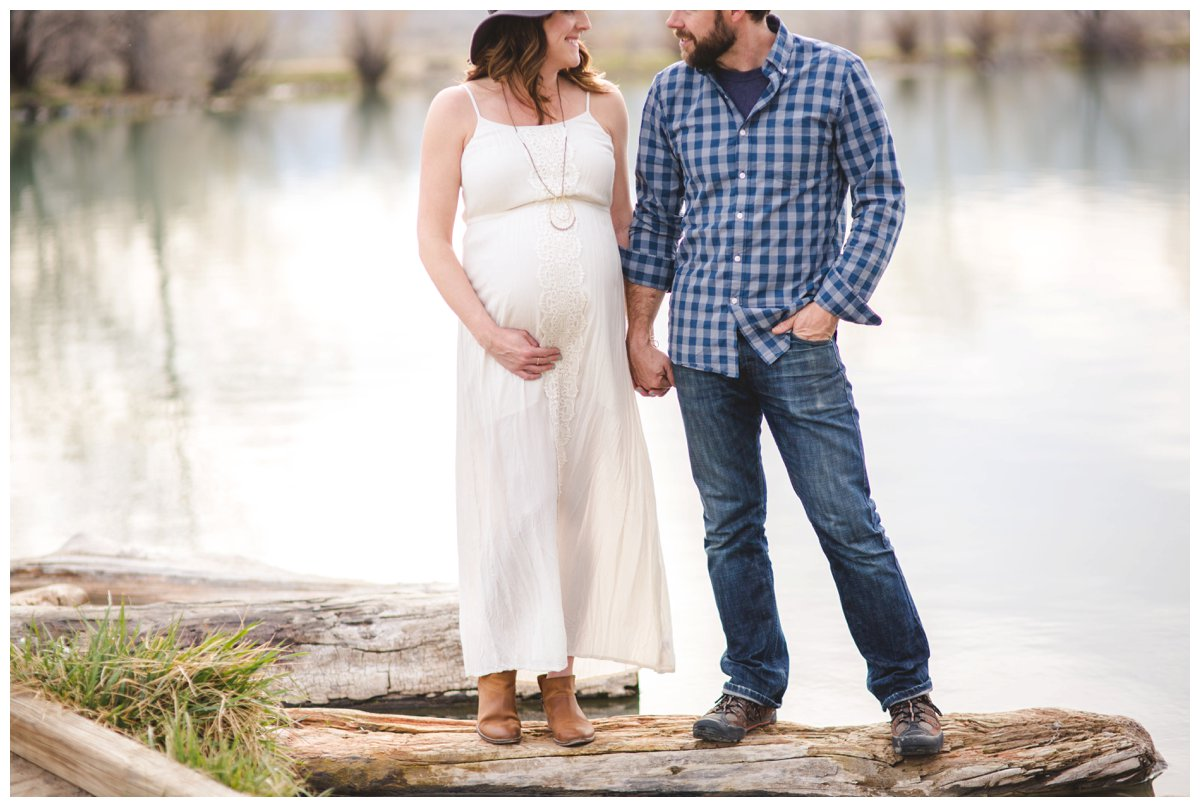 Outdoor maternity portraits in Bend, OR.